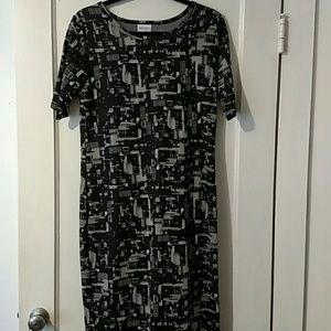 NWOT LulaRoe Julia Dress Black and White Sz Lrg